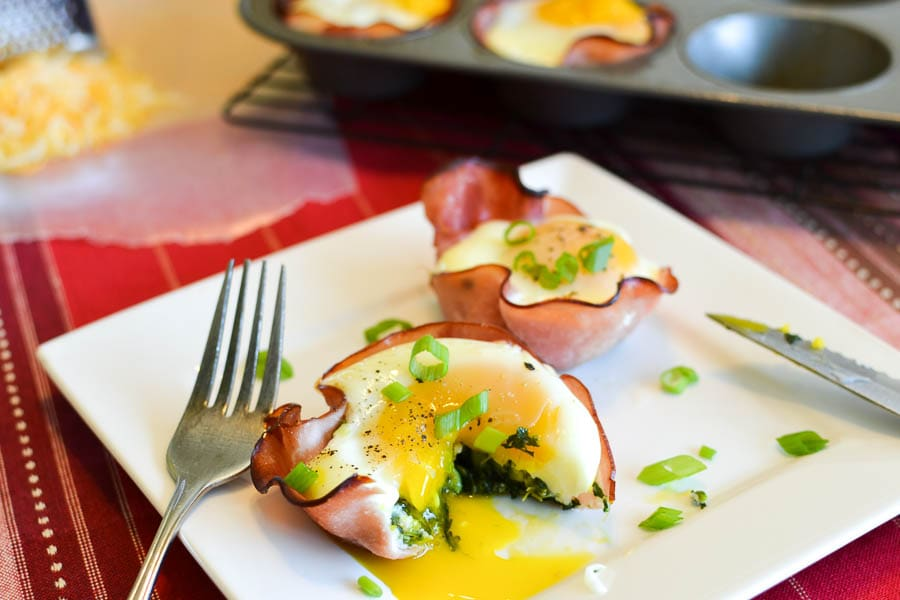 Cheesy Spinach, Ham & Egg Cups