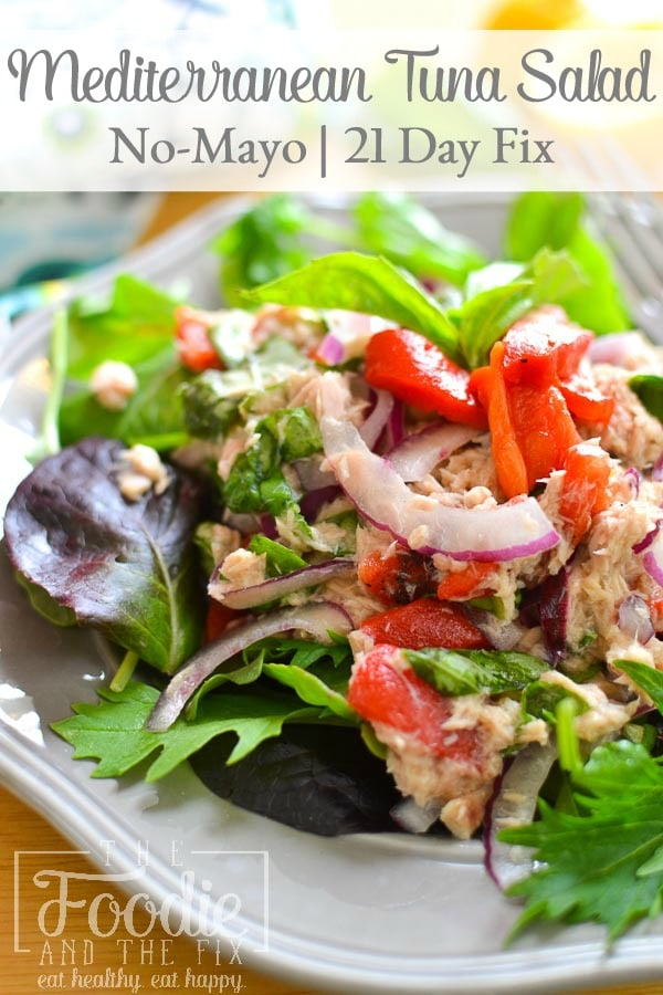 This healthy, no-mayo Mediterranean tuna salad is light and full of flavor thanks to some fresh basil and roastedred peppers. Makes a delicious lunch! #21dayfix #2bmindset #nomayo #healthy #lunch #healthylunch #cannedtuna #mealprep #seafood #glutenfree #dairyfree