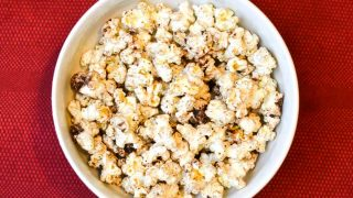 How to make your own microwave popcorn {5 ways}!