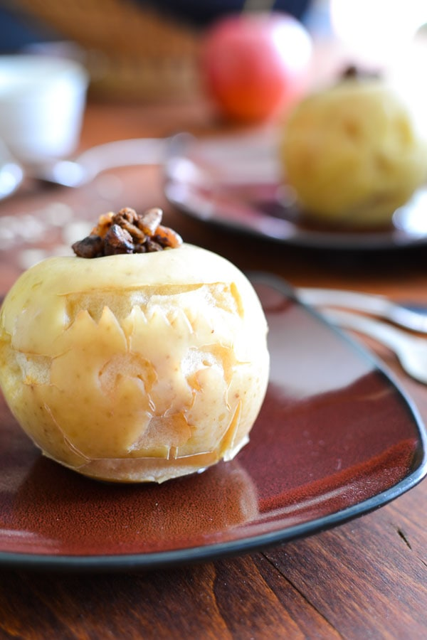 Slow-Cooker Pecan-Stuffed Apples with Cinnamon-Peanut Butter Sauce