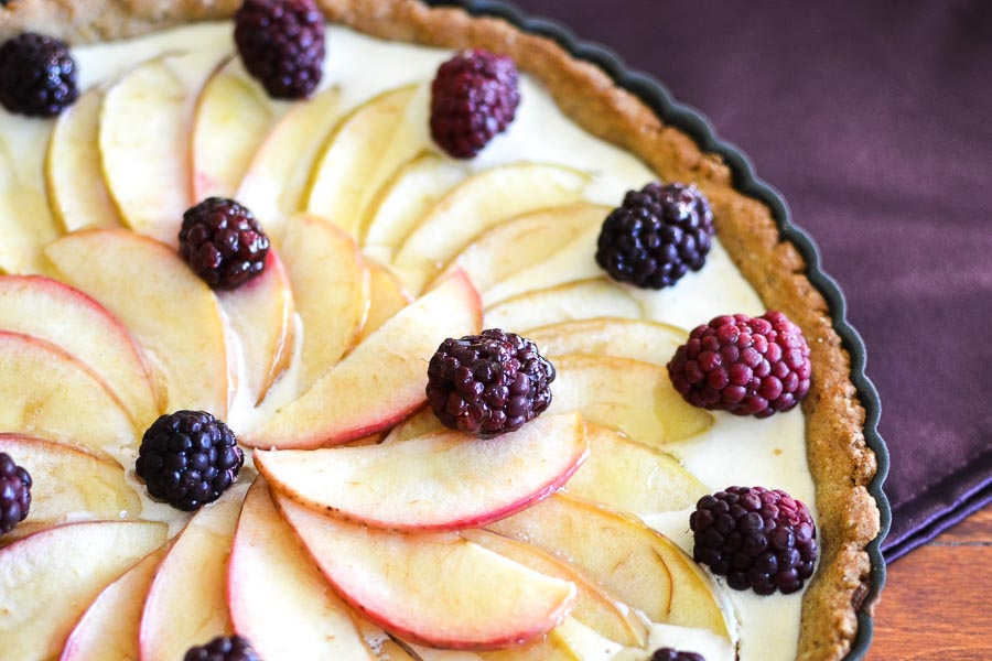 21 Day Fix Apple-Blackberry Cheesecake Tart