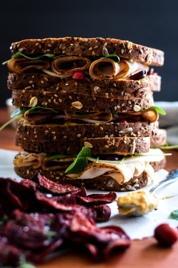 21 Day Fix Fully Loaded Autumn Sandwich - this easy, healthy and delicious fall sandwich is packed the perfectly paired flavors of pumpkin, cranberry, turkey and sage! #pumpkin #21dayfix #healthy #lunch #healthylunch #fall #thanksgiving #leftovers #thanksgivingleftovers