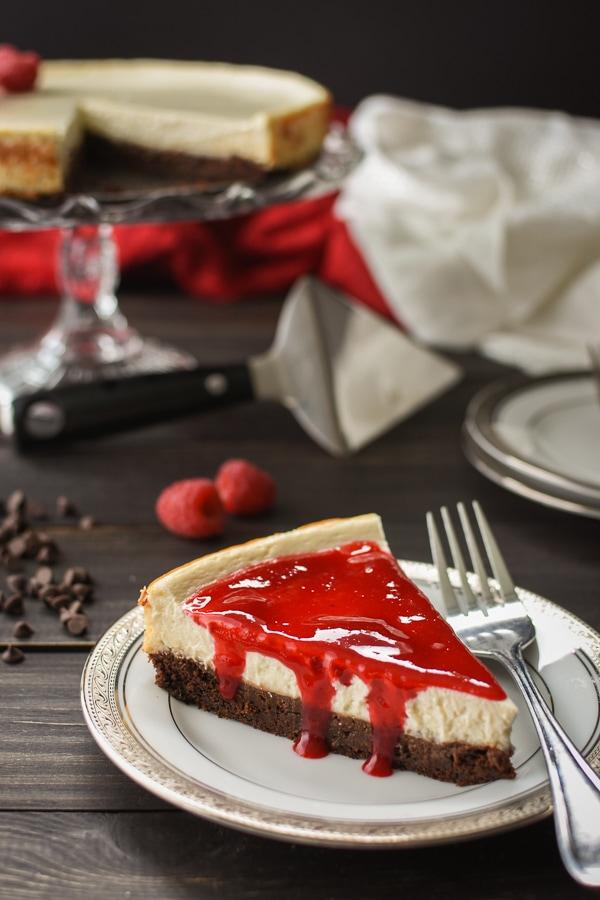 21 Day Fix Brownie Bottom Cheesecake With Raspberry Sauce