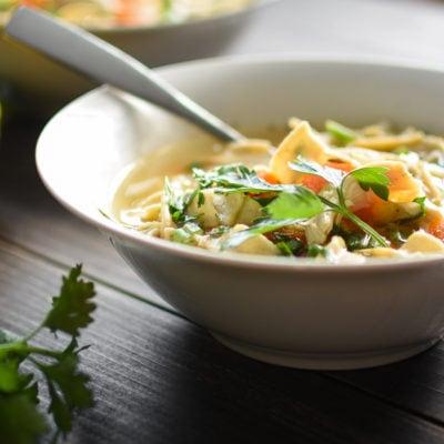 Instant Pot Lemon Chicken Noodle Soup {21 Day Fix}