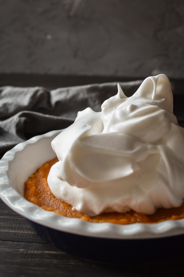 Gearing up for Thanksgiving? This 21 Day Fix Butternut Squash Meringue Casserole is a healthy and delicious twist on the popular sweet potato casserole with marshmallows. #lowcarb #glutenfree #dairyfree #holiday #21dayfix