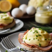 Instant Pot Eggs Benedict {21 Day Fix}