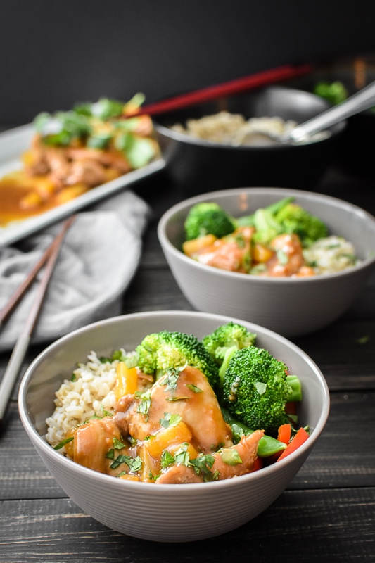This 21 Day Fix Instant Pot Teriyaki Chicken gives you all of the delicious flavor that you're looking for without all of the added calories, fat and sugar. An incredibly healthy and quick kid-friendly dinner! #21dayfix #instantpot #dinner #kidfriendly #glutenfree #dairyfree #healthy #lunch #mealprep