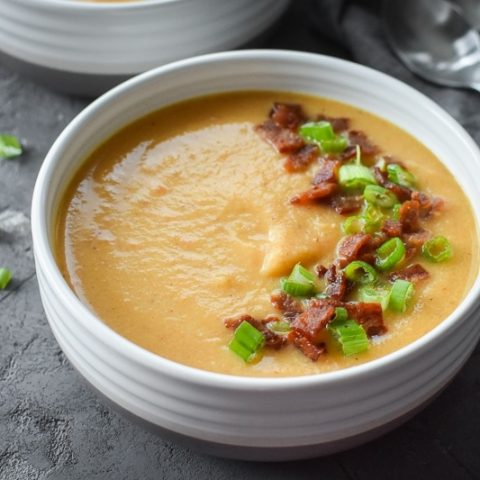 Instant Pot Bacon and Beer Cheese Cauliflower Soup {21 Day Fix}