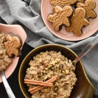 Warm Gingerbread Oatmeal {21 Day Fix}