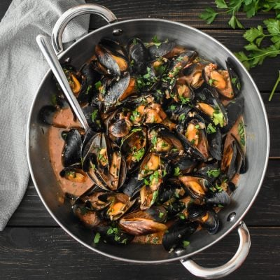 Steamed Mussels in Sherry-Tomato Broth