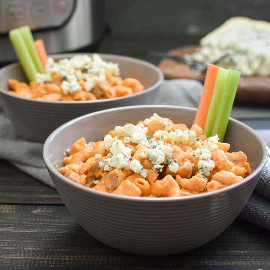 Instant Pot Buffalo Chicken Mac and Cheese {21 Day Fix | Weight Watchers}