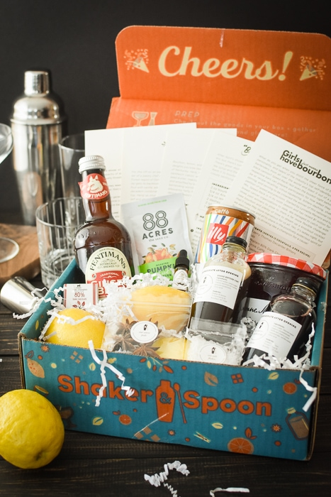This Shaker & Spoon review includes a comparison of the leading cocktail subscription boxes. Cocktail subscription boxes make the BEST gifts! #fathersday #mothersday #birthdaygift #21dayfix #christmasgift #christmas #giftgiving #bestgifts #subscriptionbox #subscriptionboxes #shaker&spoon #21dayfixdrinks #21dayfixcocktails #UPF #ultimateportionfix #cocktails #drinks