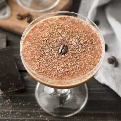 This Rye Mocha Cocktail is a deliciously decadent and flavorful dessert cocktail that's as perfect for Valentine's Day as it is for brunch! #valentinesday #cocktails #21dayfix #weightwatchers #dessertcocktail #brunch #mothersday #upf #weightloss #healthy #treatswap