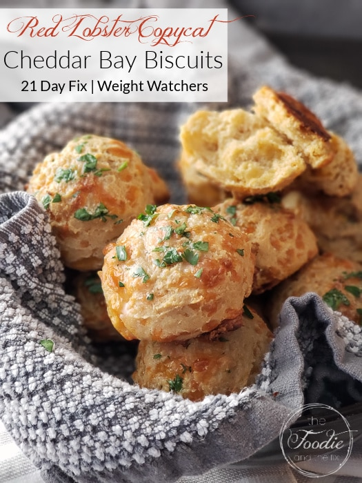 These Whole Wheat Cheddar Bay Biscuits are a healthier Red Lobster Copycat recipe and SO easy to make! Perfect for a date night in and 21 Day Fix and Weight Watchers friendly! #healthy #healthyside #redlobster #datenight #healthydatenight #21dayfix #weightwatchers #ww #weightloss #beachbody #wholegrains #valentinesday #mothersday #brunch #healthybrunch #kidfriendly