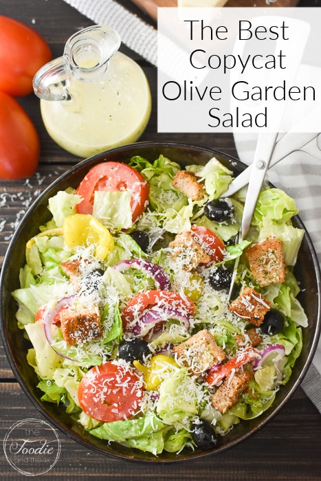 This copycat olive garden dressing is the closest to the original that I've ever had! It's gluten-free, plus 21 Day Fix and Weight Watchers friendly! #glutenfree #21dayfix #ww #weightwatchers #healthy #olivegarden #copycatrecipe #italian