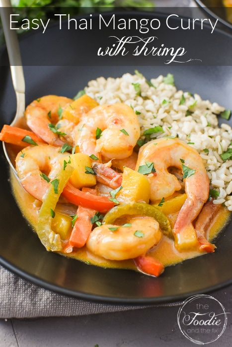 This Thai Mango Curry with Shrimp is such a crazy-flavorful and healthy dinner recipe! I also love that it's gluten-free, dairy-free and perfect for the 21 Day Fix and Weight Watchers! Great for meal prep, too! #21dayfix #weightwatchers #mealprep #thaiinspired #seafood #lent #healthydinner #dinner #quickdinner #glutenfree #dairyfree